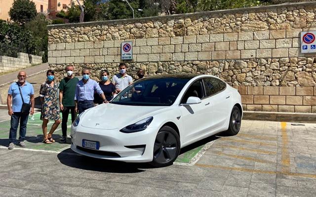 Sennori Tesla Model 3